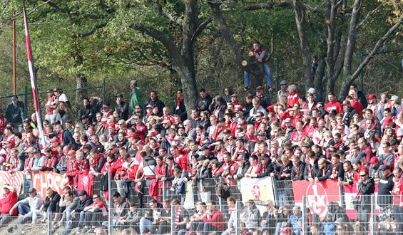 Standesgemäßer Sieg in schöner Fußball-Atmosphäre