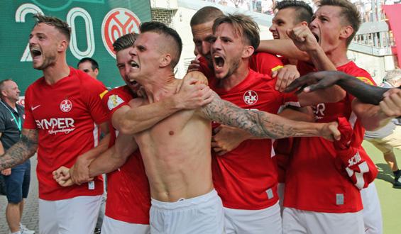 Jubel im DFB-Pokal: Der FCK gewinnt gegen Mainz