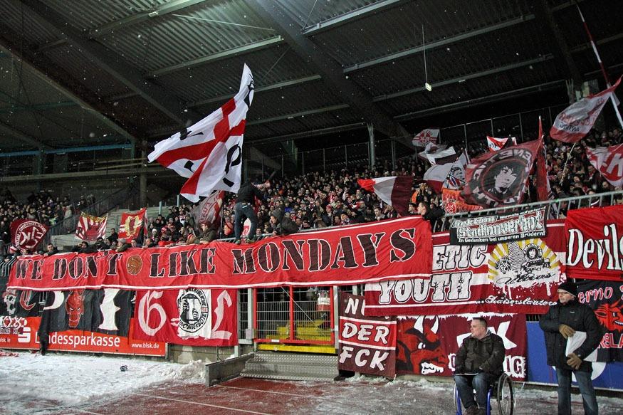 Fanfotos: Eintracht Braunschweig - 1. FC Kaiserslautern 1 ...