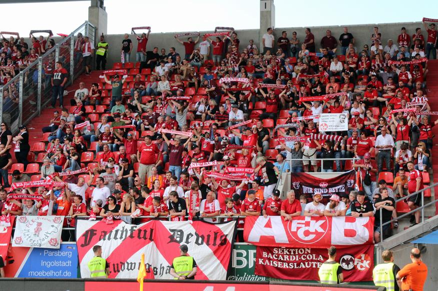 Fanfotos Fc Ingolstadt 1 Fc Kaiserslautern 13 02 Der Betze