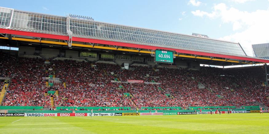 Die Südtribüne gegen Mainz