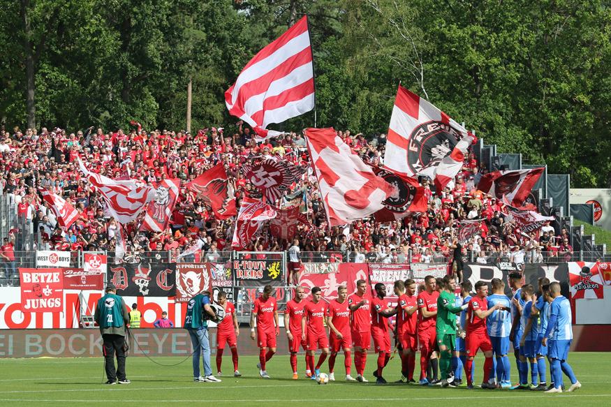 FCK-Fans im Gästeblock